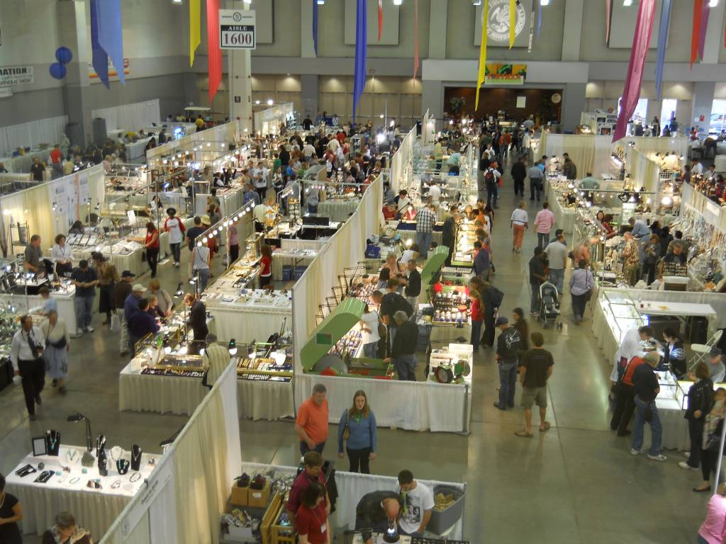Tucson Gem and Mineral Show & Miner's Co-op Rock Show in Marana