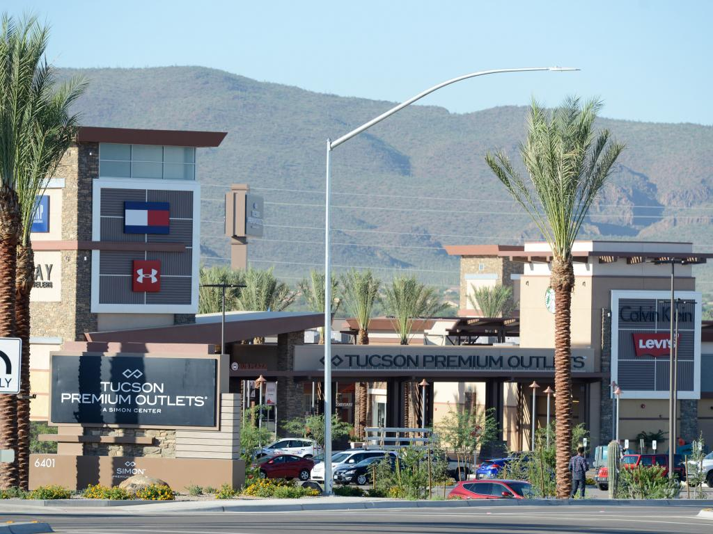 List of all Van Heusen outlet stores in Arizona. Locate the Van Heusen outlet store near you.